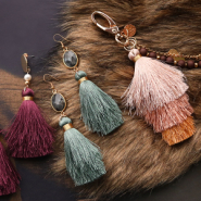 NEW New in the collection: must-have tassels!